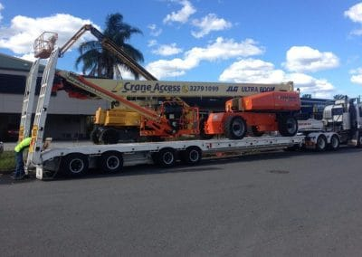 towing-cherry-picker-haulage