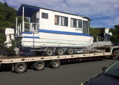 towing-house-boats