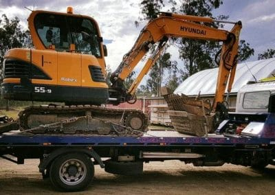 towing-large-excavators